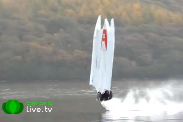 Motor Boat & Yachting   Powerboat flip