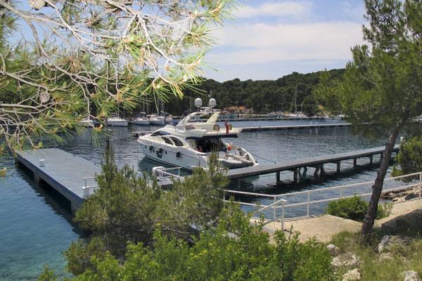 Motor Boat & Yachting   Azimut Croatia