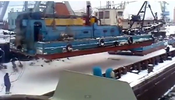 Boat-fail-boat-lift.jpg