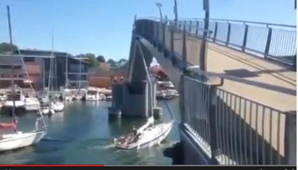 Boat-fail-bridge.jpg