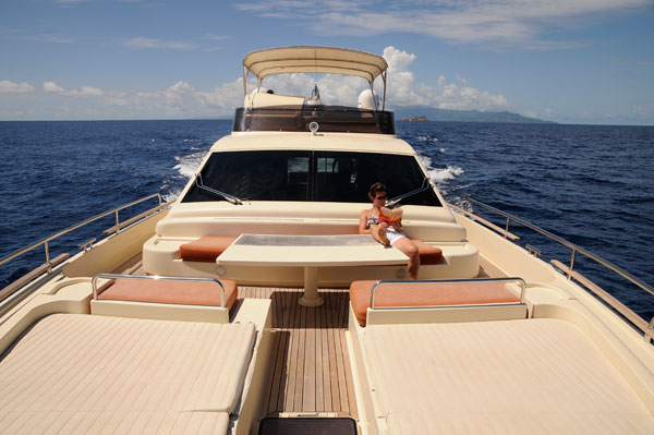 Motor Boat & Yachting   Seychelles charter