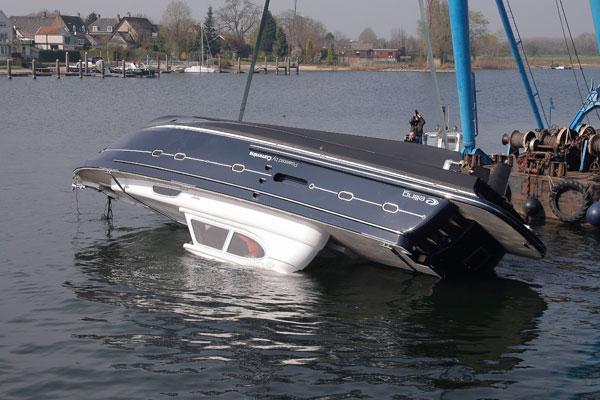 Motor Boat & Yachting | Elling capsize