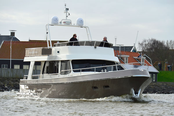 Motor Boat & Yachting | Privateer Flybridge 49