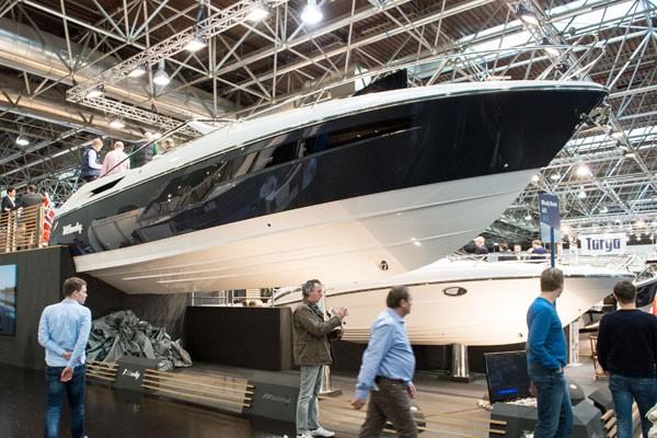 Motor Boat & Yachting   Windy 39 Camira