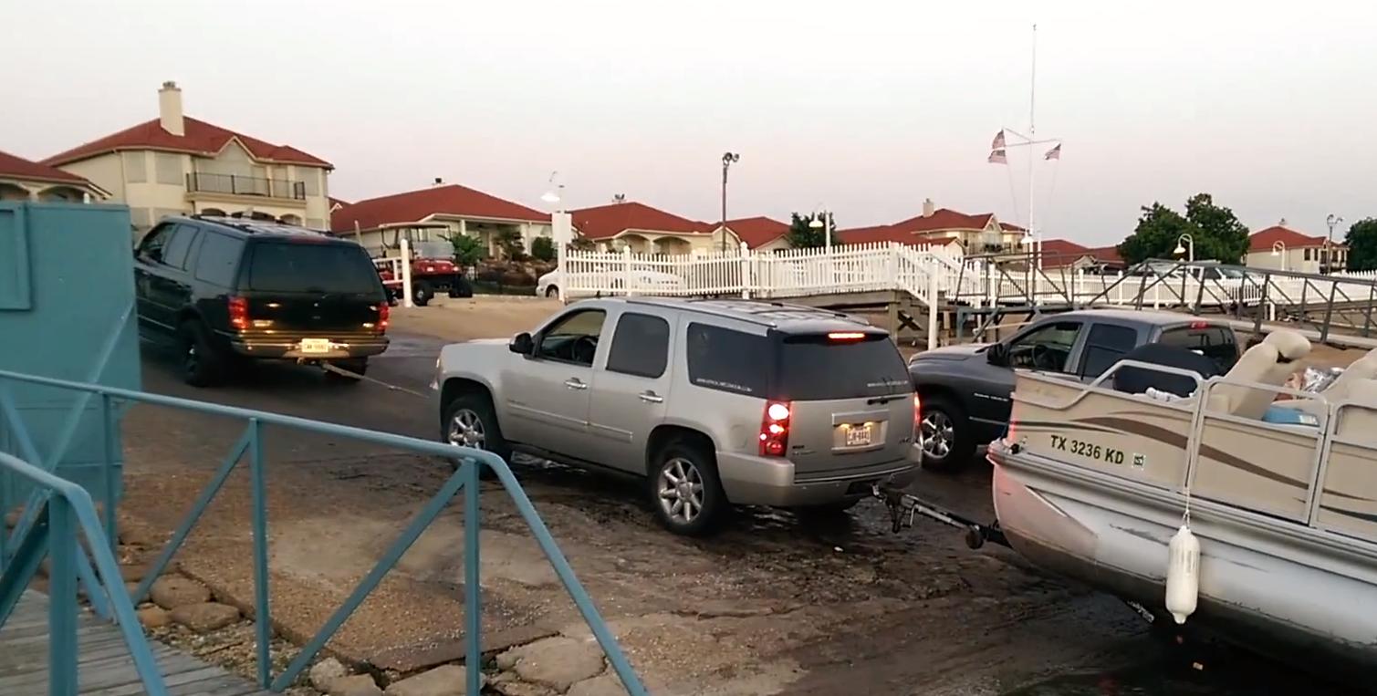 Boat Fail - Texan two car tow