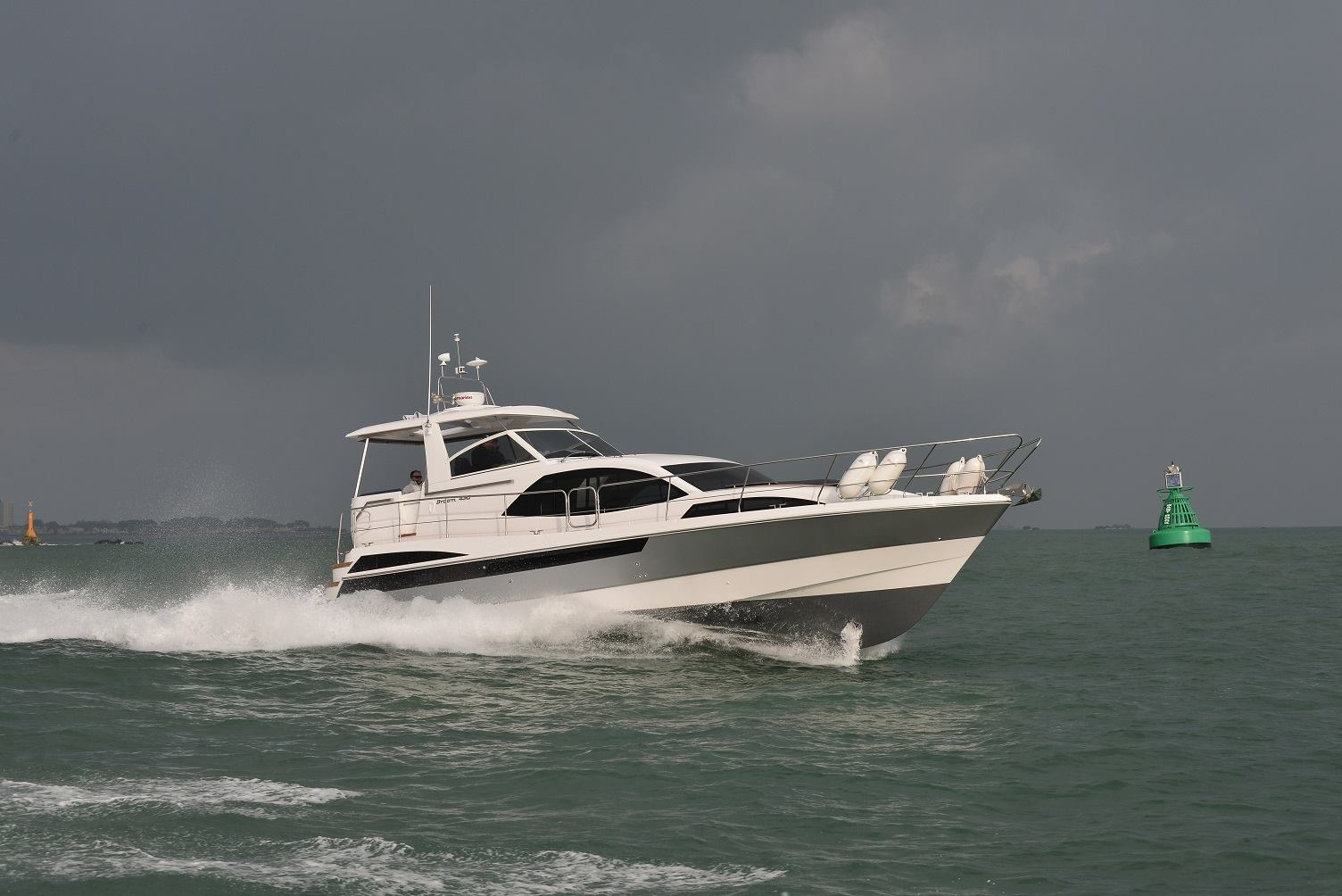 Broom 430 First Impressions Of The New Cruiser Motor