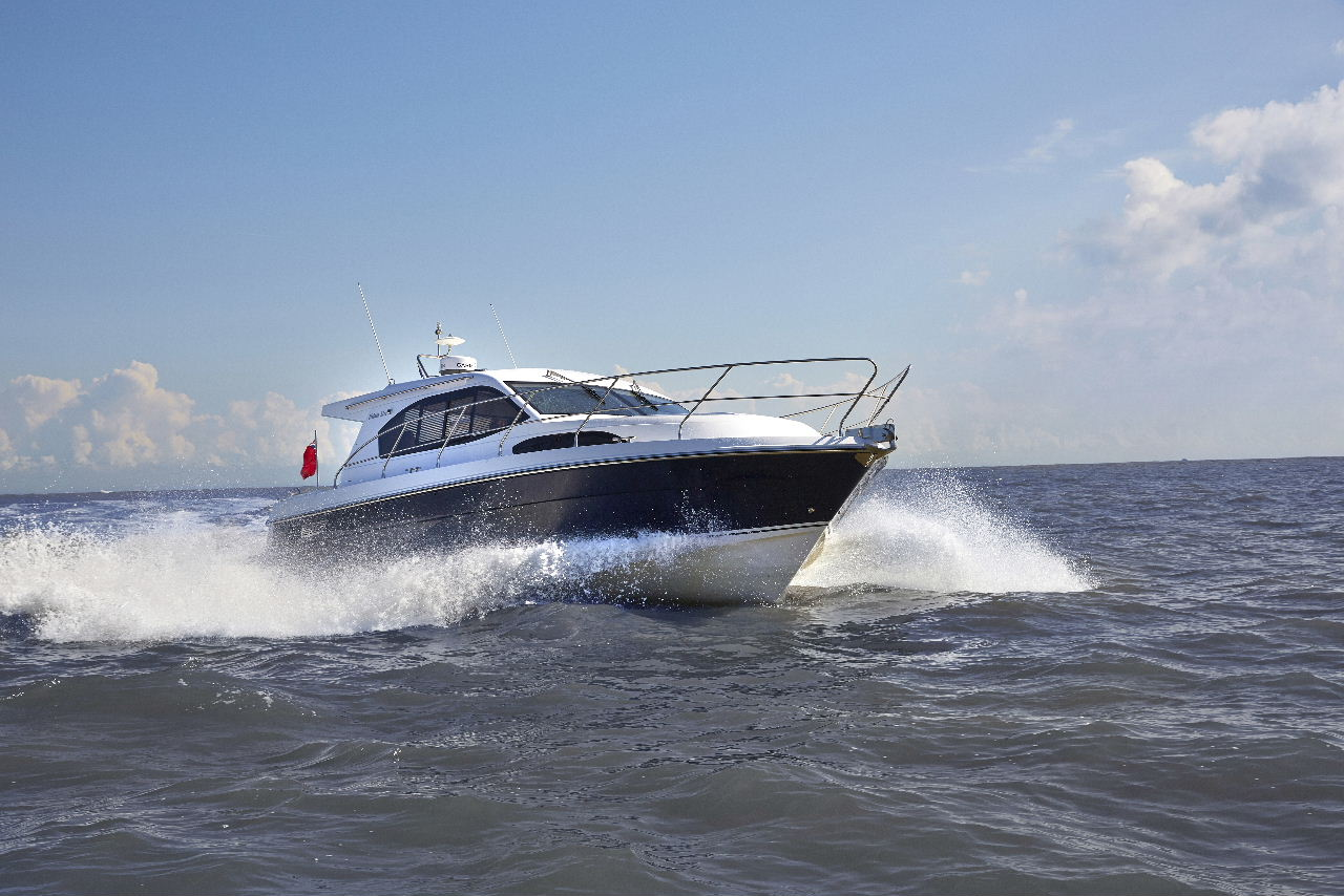 Haines 32 Offshore Sets Top Speed Record On Suffolk Sea