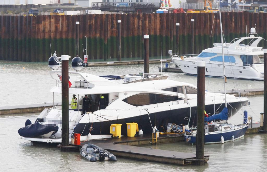 Missing Sunseeker Manhattan 60