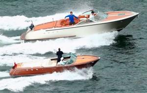 Roger-Federer-motorboat-tennis
