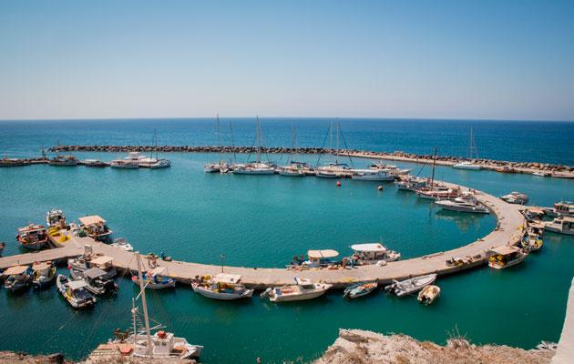Greek-harbour-Vlychada_Flickr_dChris