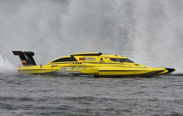 Annihilator powerboat racer