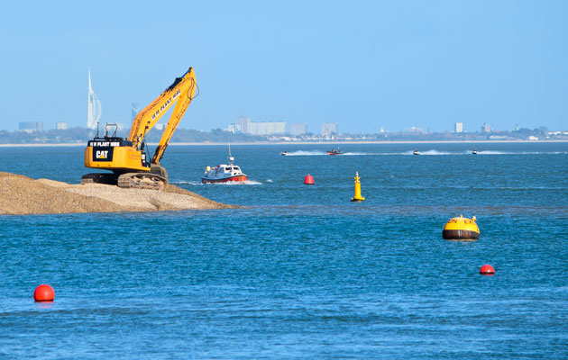 Cowes breakwater construction