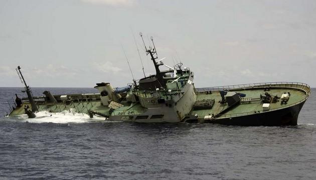 MV Thunder poaching vessel sinks