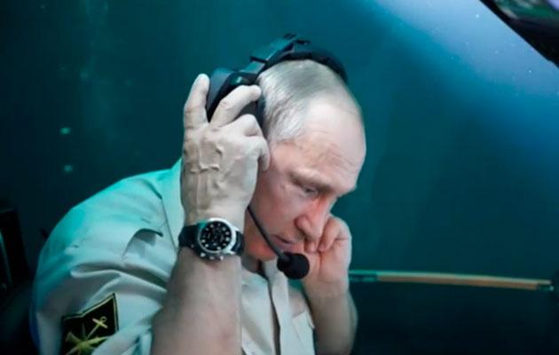 Vladimir Putin Black Sea submarine