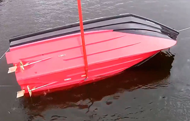 VIDEO: World's fastest pontoon boat sets new speed record