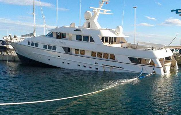 Sinking superyacht Port Denia