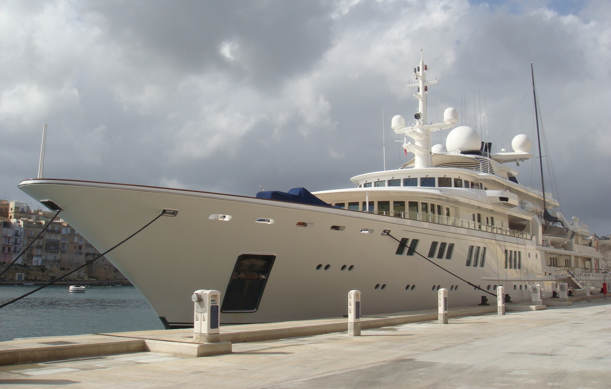 Tatoosh Paul Allen superyacht moored in Malta - linked to coral reef damage