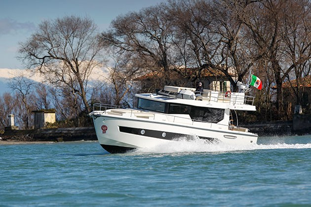 Cranchi 43 Eco Trawler Boat