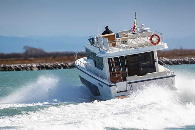 Cranchi Eco Trawler 43 boat