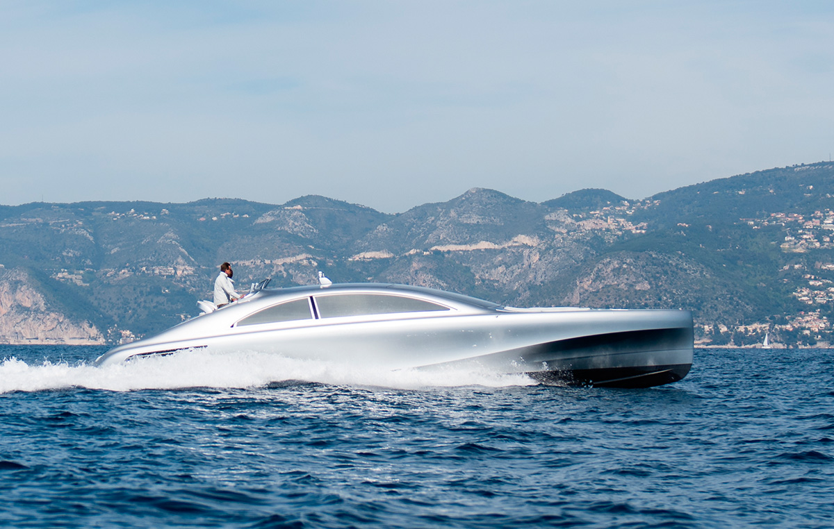 Mercedez Benz speedboat - Arrow 460GT