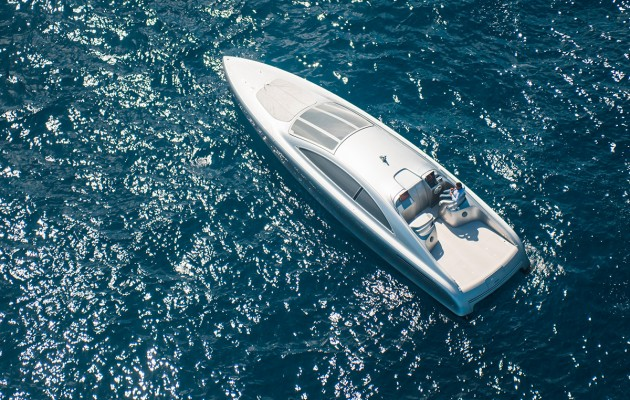 Mercedez Benz speedboat - heli view