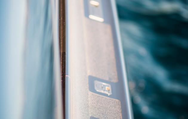 Mercedez Benz speedboat - side deck