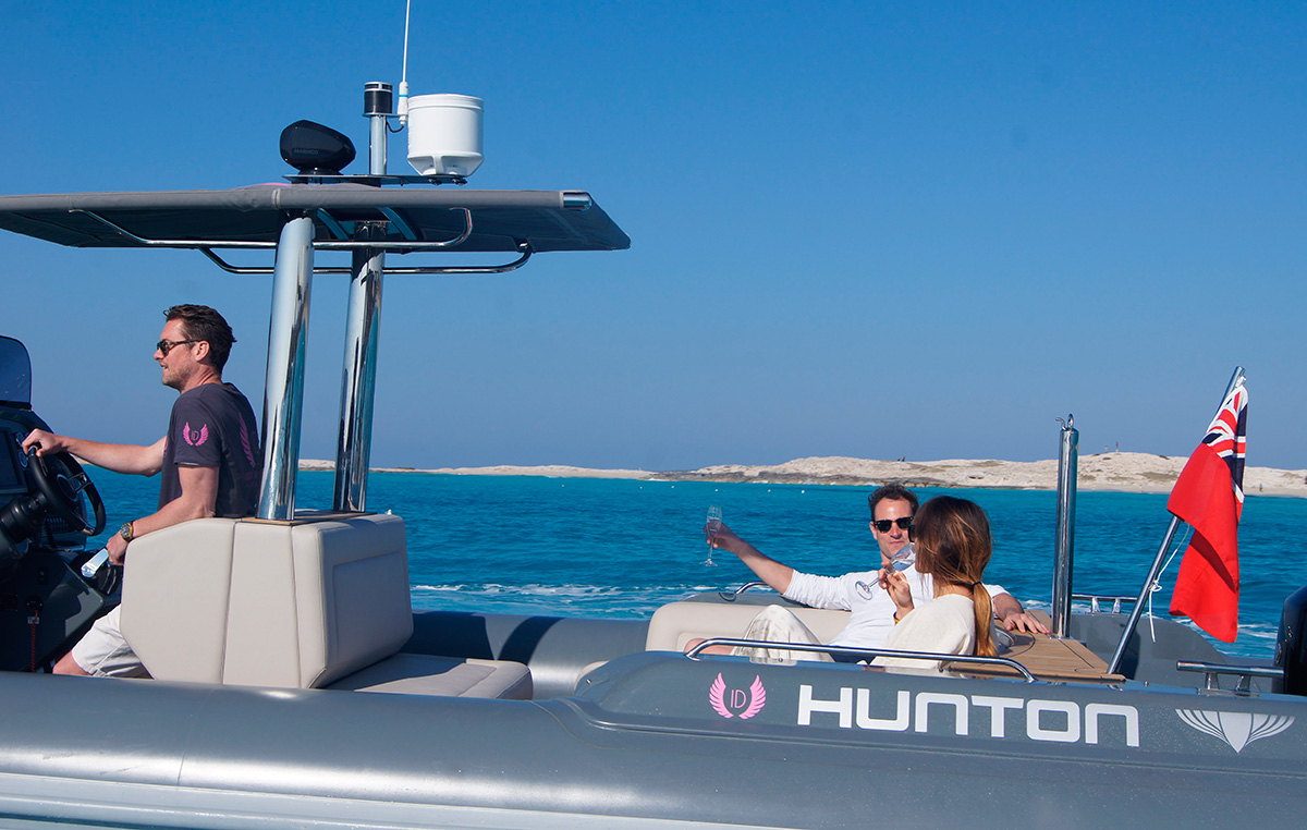 Ibiza Delivers offshore service