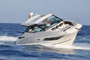 Video Sea Ray 320 Sundancer Review