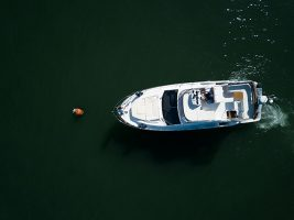 How to pick up a mooring buoy