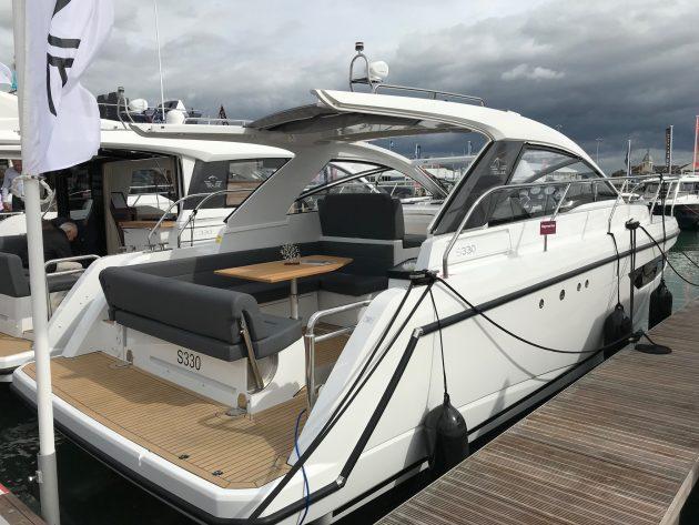 Sealine S330 Southampton Boat Show