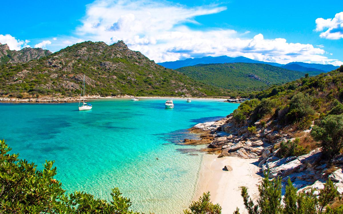 cruising-corsica-Corsica-Anse-de-Fornali_233416521_372790471_0001-credit-peter-cumberlidge