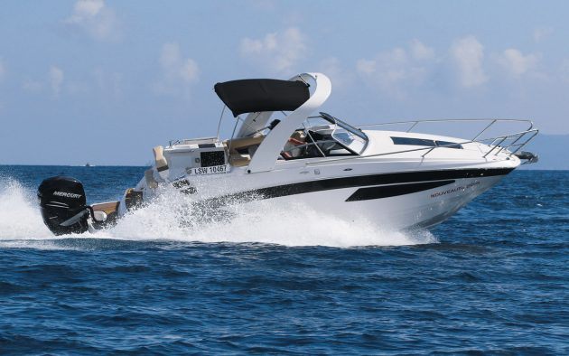 Glastron GS 259 OB: Flagship sportscruiser adds outboard appeal