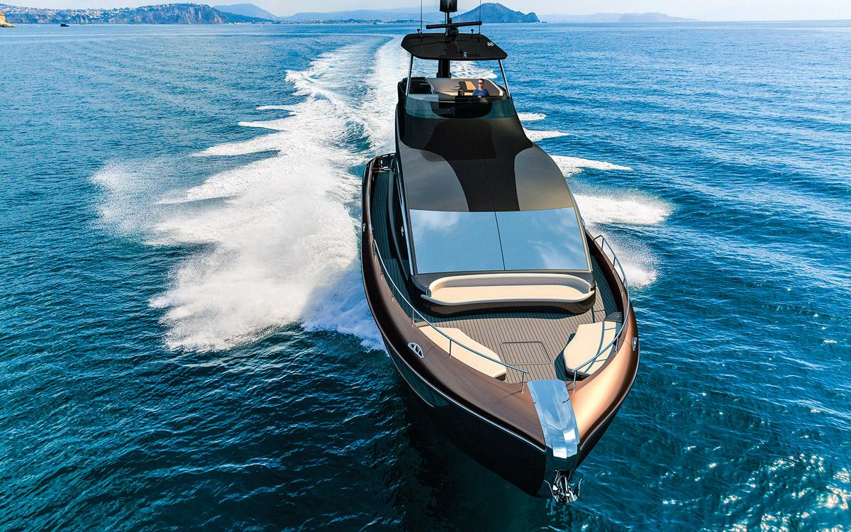 Lexus-yacht-LY650-foredeck
