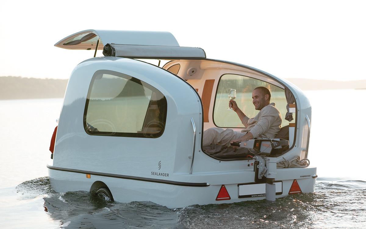 Sealander-floating-caravan-on-water