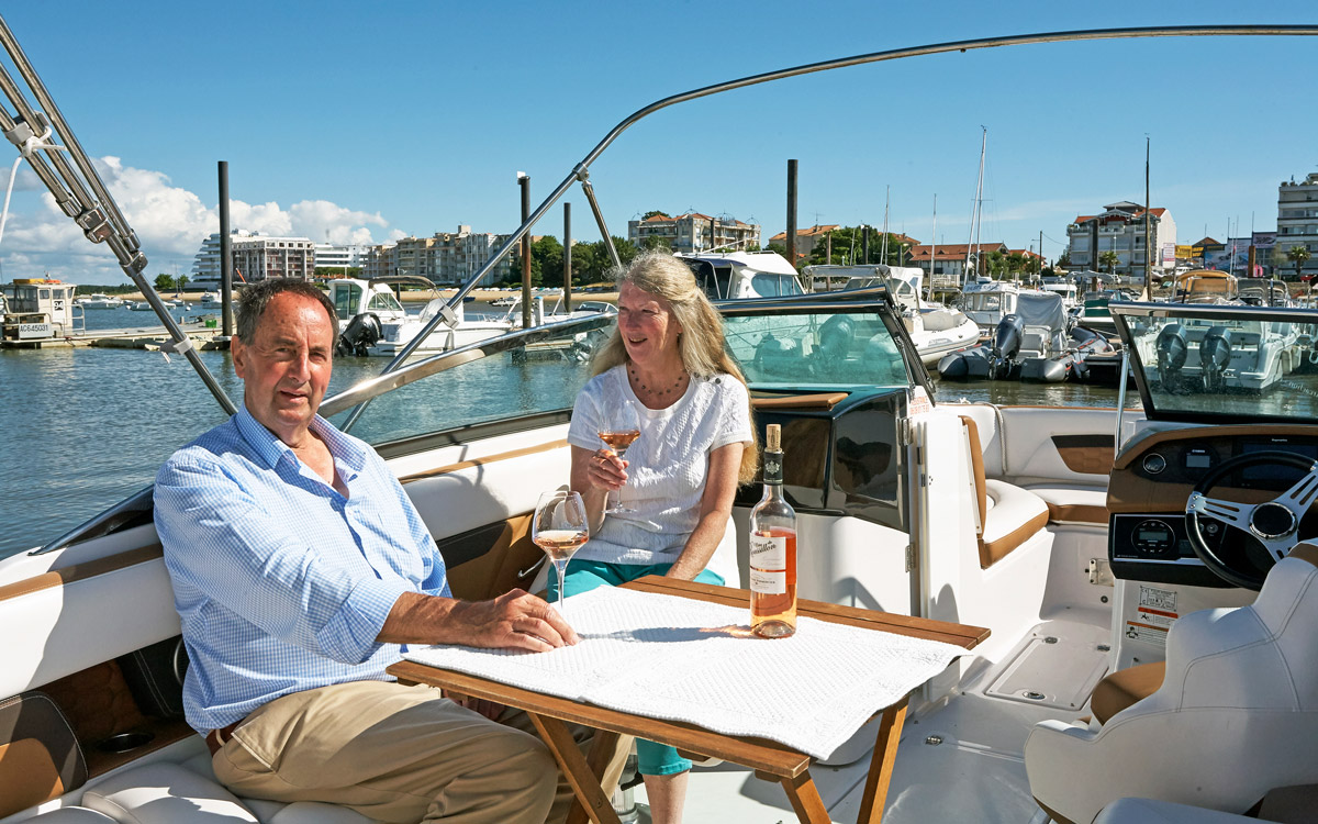 Cruising Arcachon: Exploring the basin by charter sportsboat