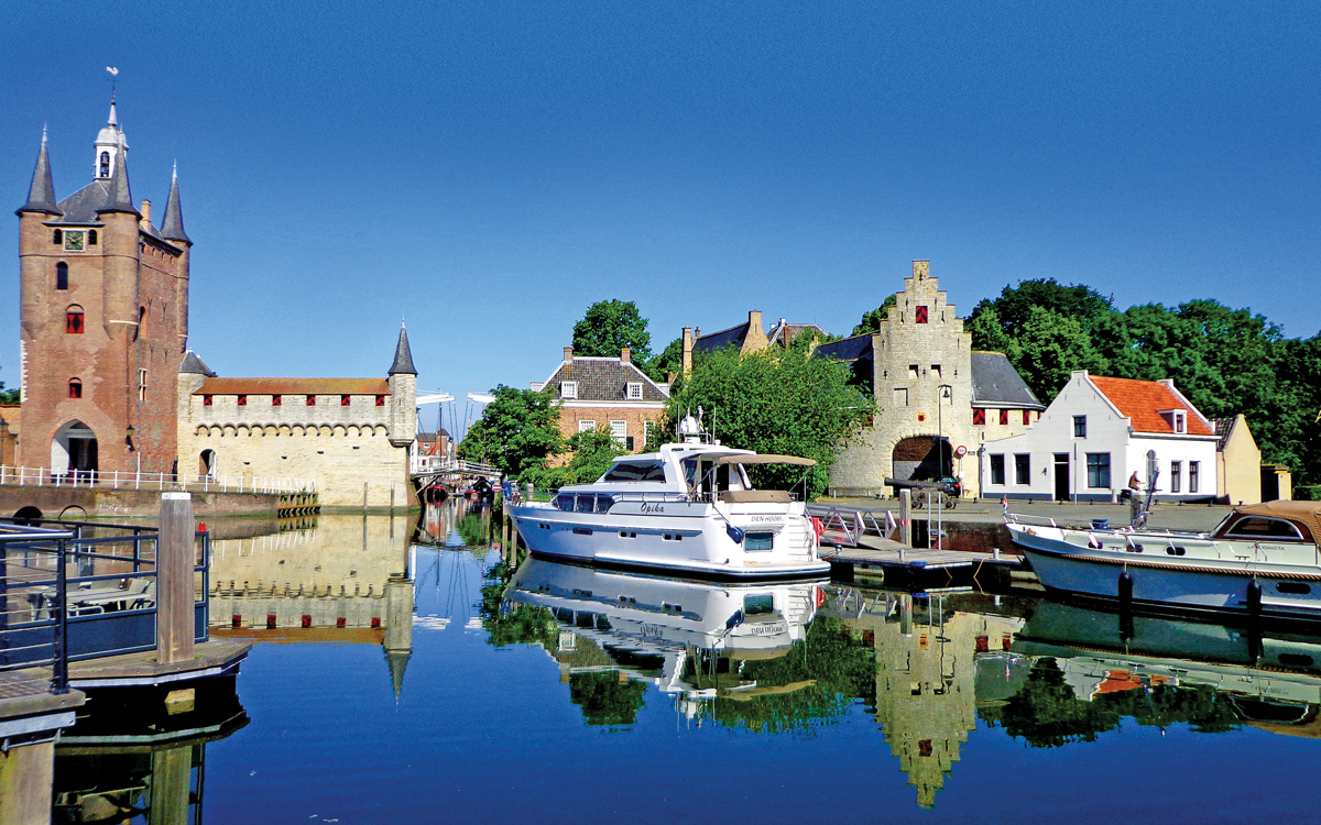 dutch-cruising-guide-Zierikzee-inner-harbour-credit-peter-cumberlidge