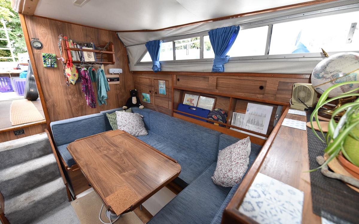 guide-des-acheteurs-d'occasion-bateau-de-démarrage-under-20000-Princess-33-interior