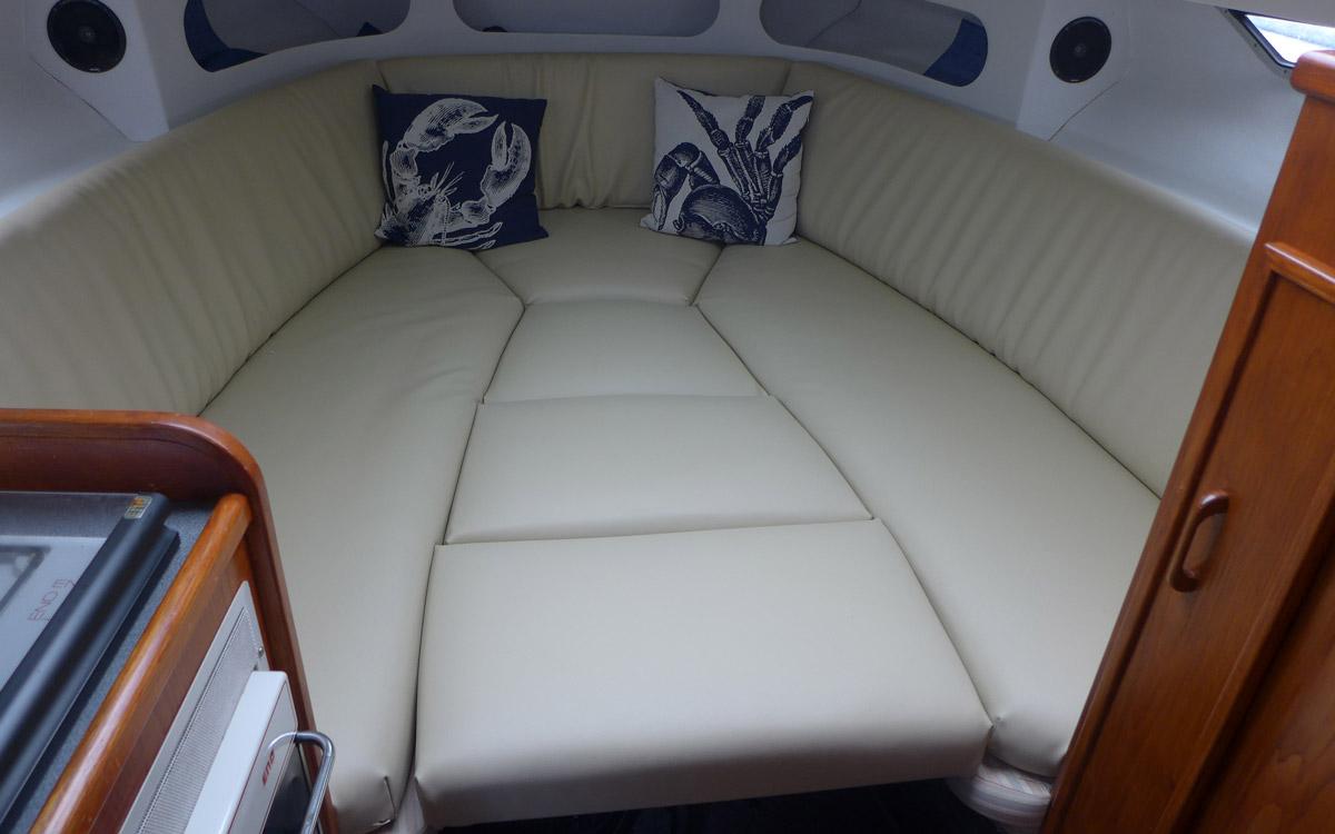 guide-des-acheteurs-d'occasion-bateau-de-départ-sous-20000-fairline-targa-27-interior