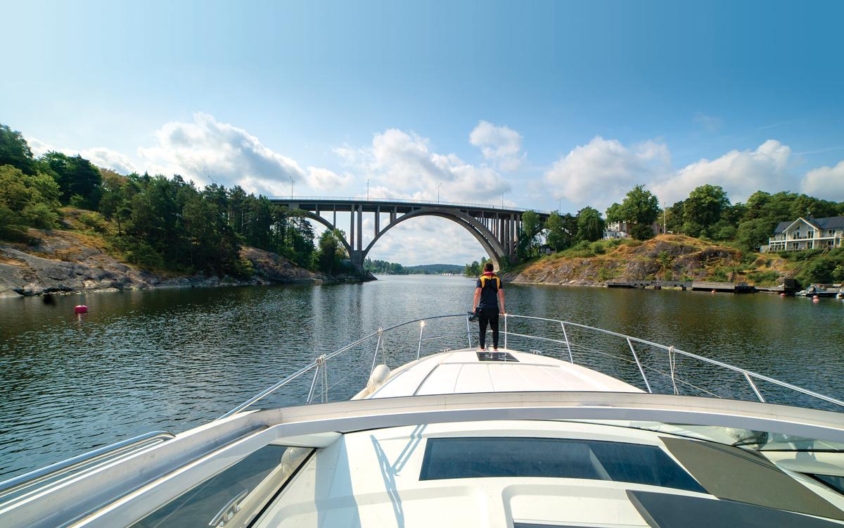 Stockholm-leaving-under-the-bridge-credit-john-boyle