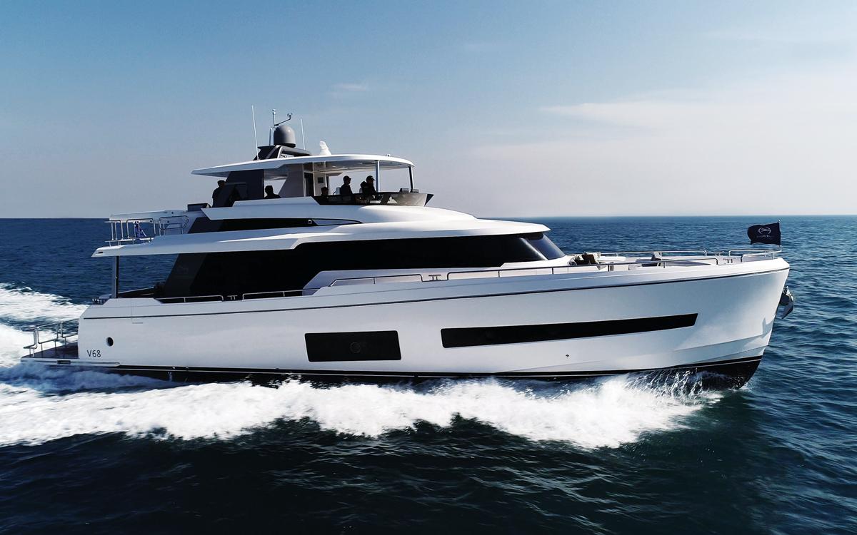 horizon-v68-yacht-preview-running-shot