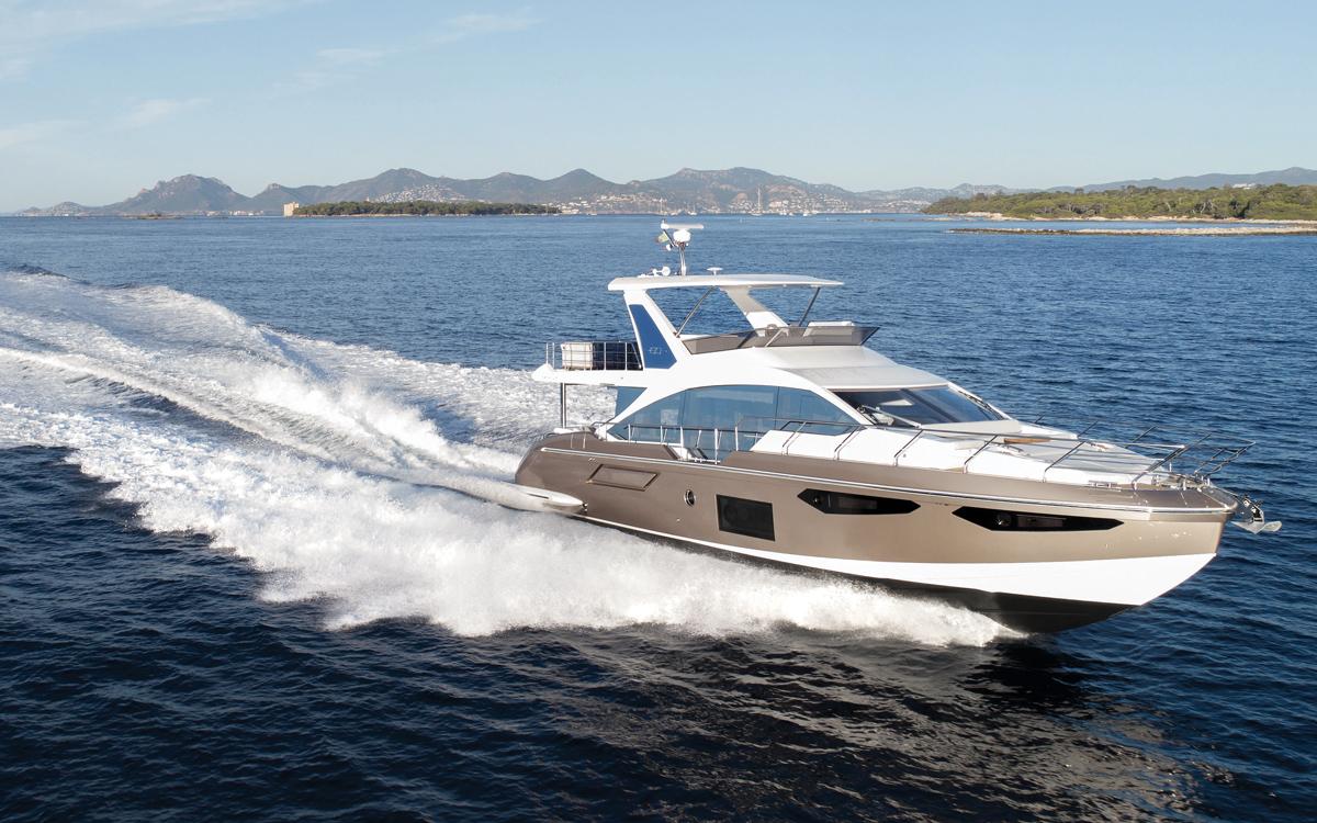 Flybridge motor boat reviews
