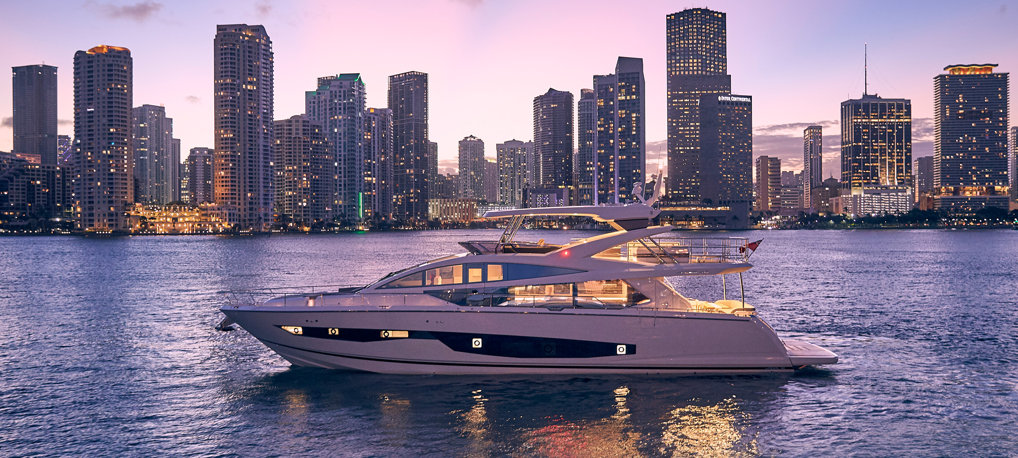Pearl-80-yacht-review-side-profile-hero