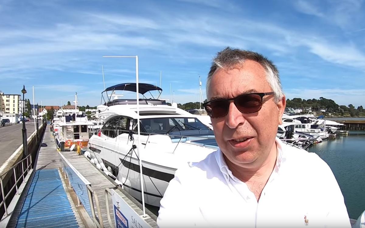 princess-s60-yacht-tour-selfie