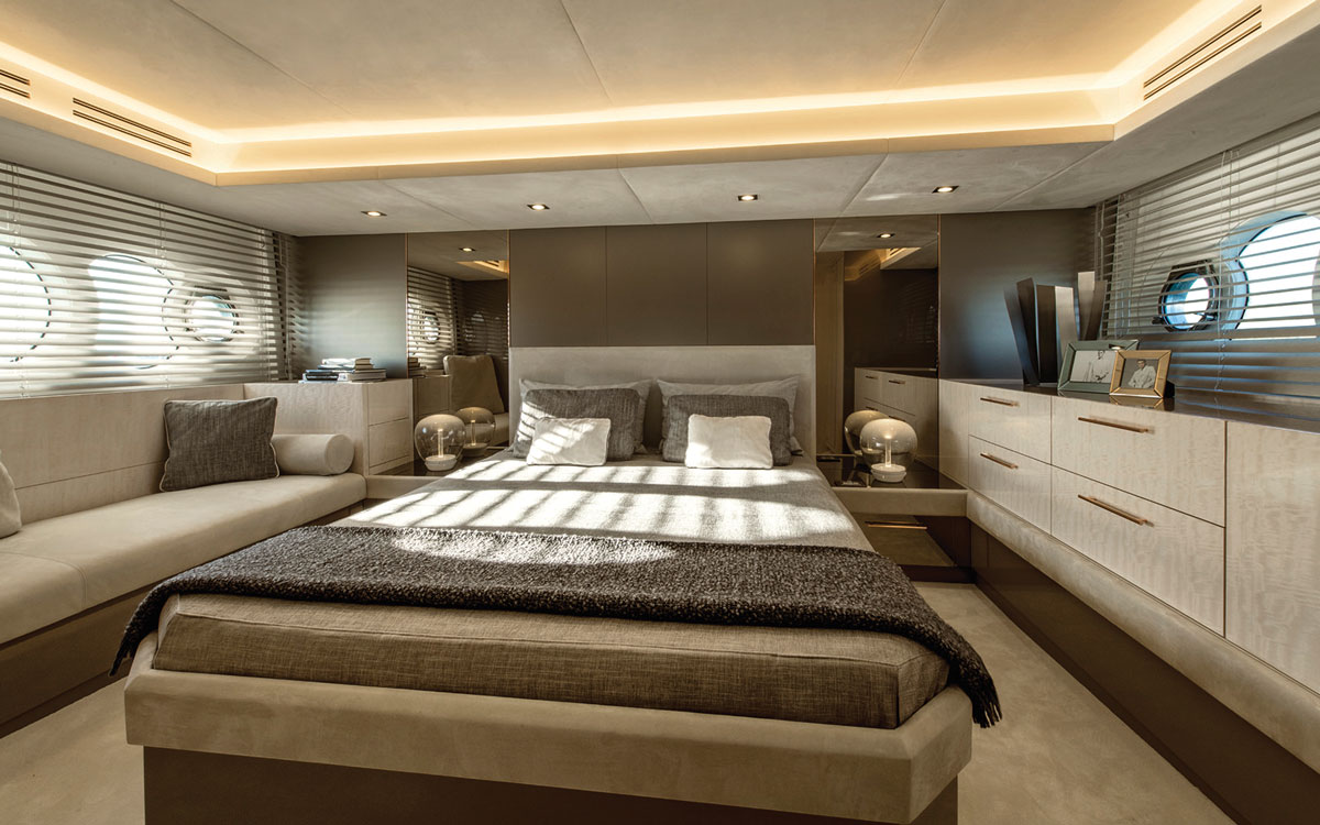 monte-carlo-yachts-66-test-master-suite