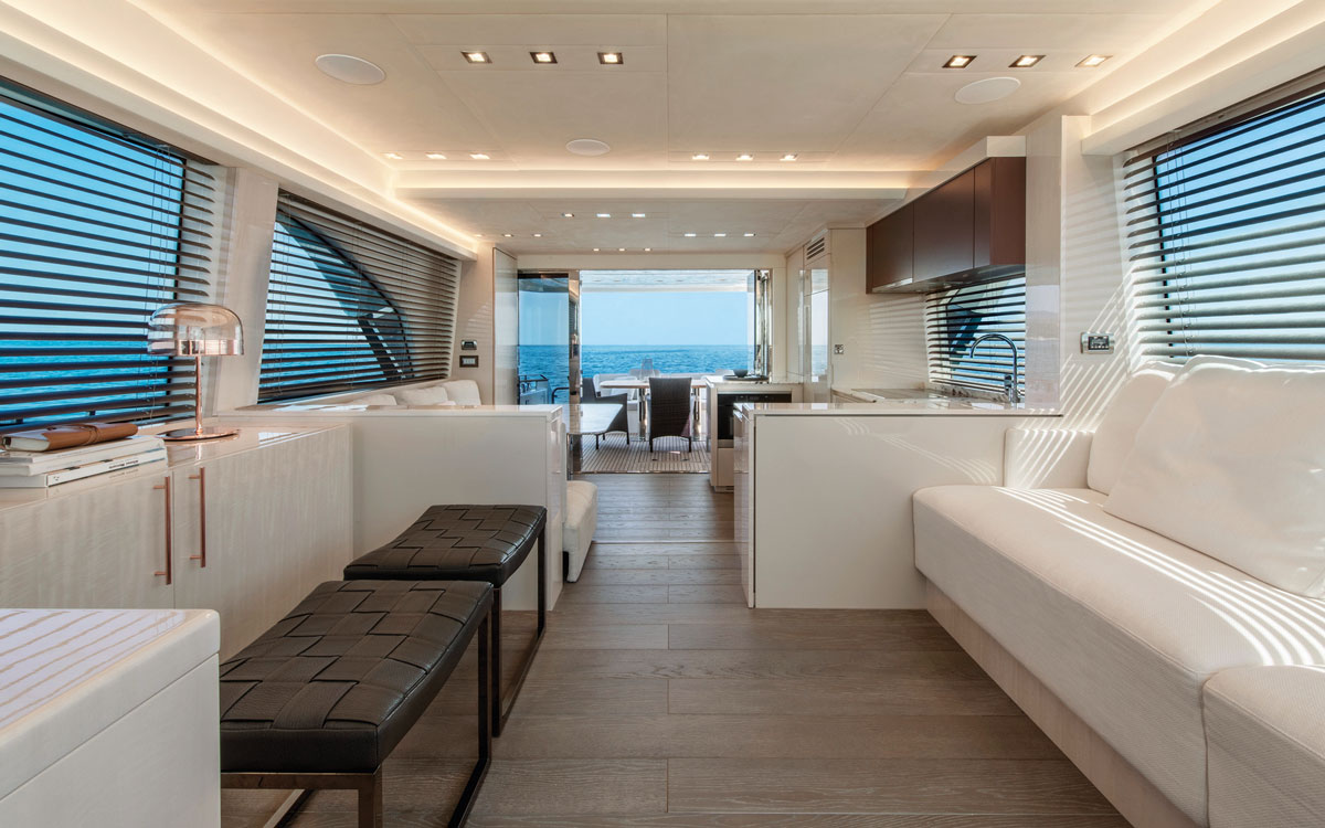 monte-carlo-yachts-66-test-saloon