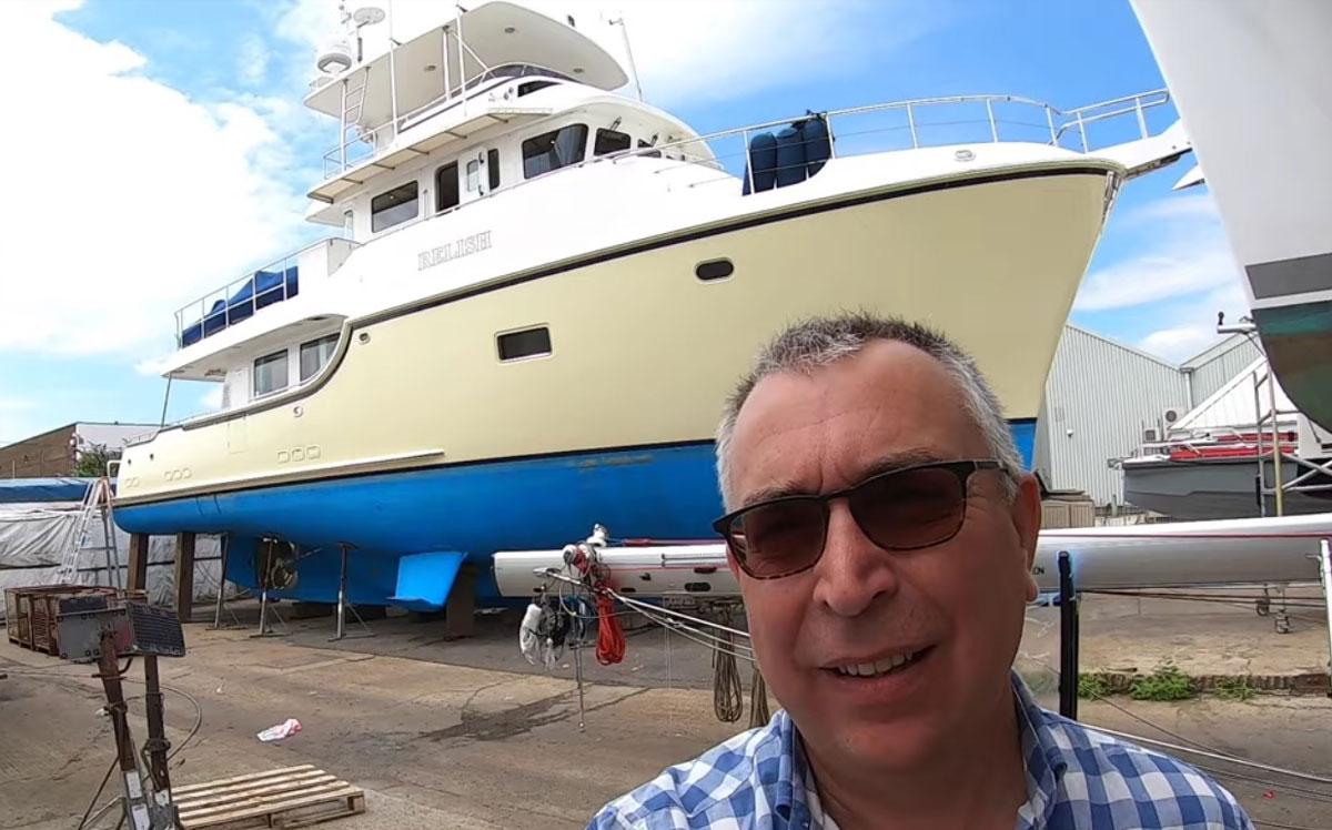 nordhavn-60-yacht-tour-selfie