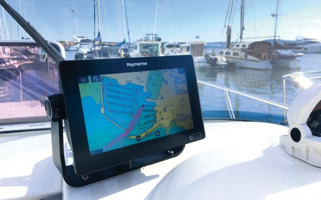 Raymarine-Axiom-touchscreen-mfd-chartplotter-tested