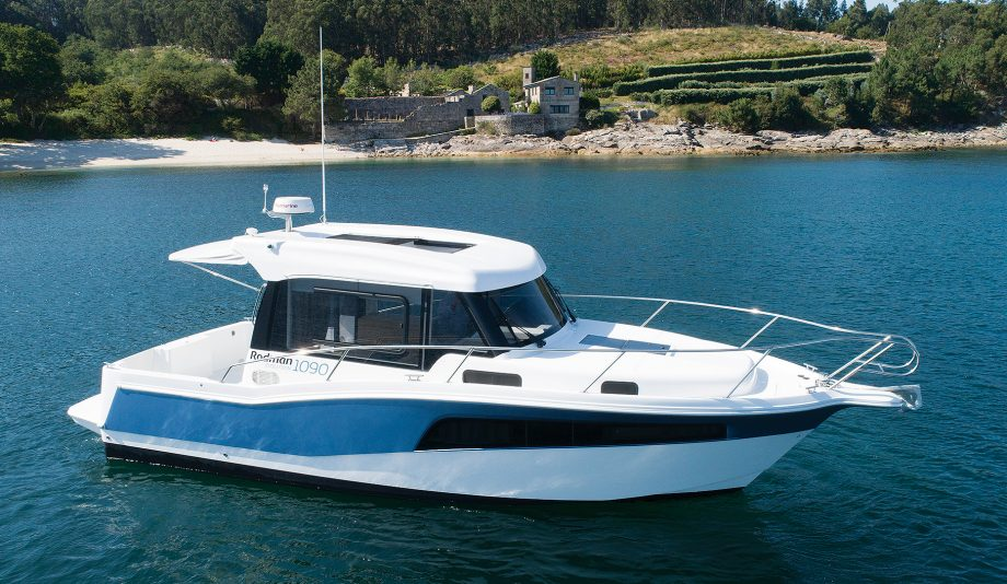Rodman-1090-evolution-new-boat-exterior