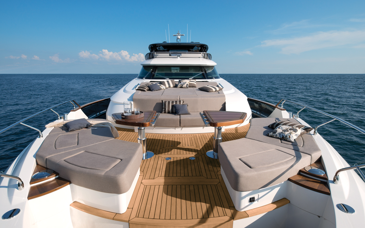 monte-carlo-yachts-mcy-96-boat-test-review-foredeck