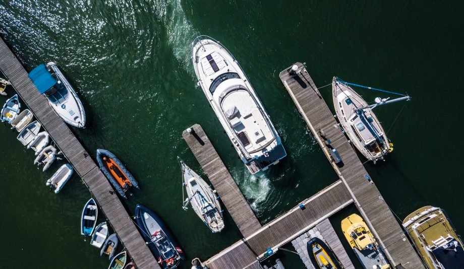 raymarine-docksense-virtual-bumper-uncrashable-boat-aerial-view-credit-richard-langdon